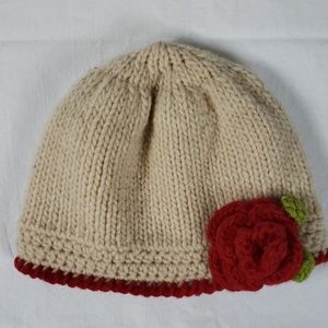 NWOT Beanie knitted red rose